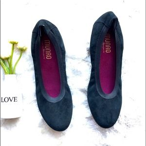 New Munro Vicki Black Suede Ballet Flats 7.5